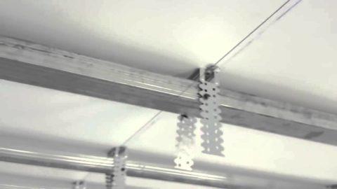 Шнуры упростят выравнивание обрешетки в одной плоскости
