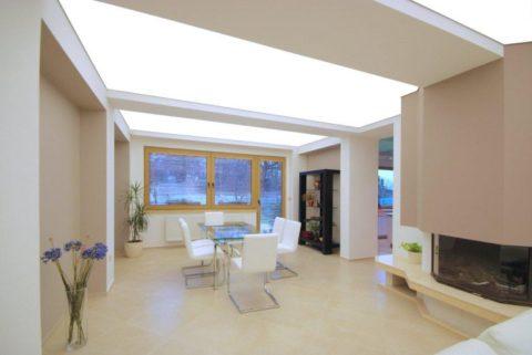 Светящийся натяжной потолок – это по-современному