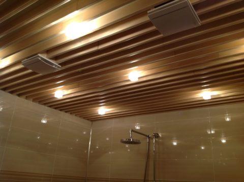 Точечное освещение реечного потолка