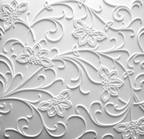 Цветочный мотив на поверхности потолочной плитки