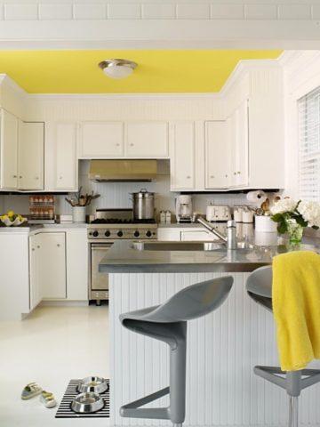 В кухне такой потолок будет по-особенному выразительным