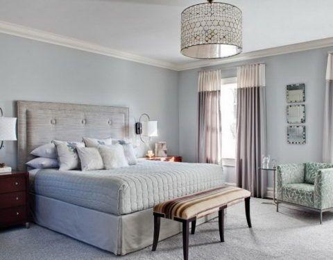 Вариант для спальни с высоким потолком