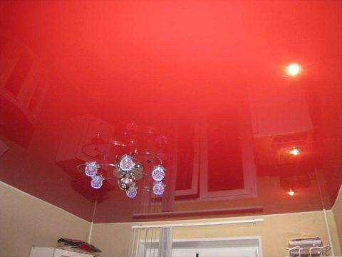 Вариант отделки потолка в квартире