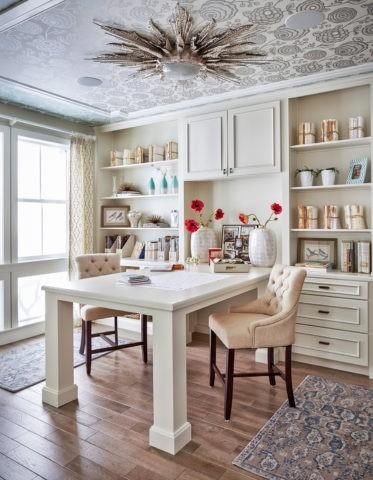 Виниловые полотна в оформлении домашнего кабинета