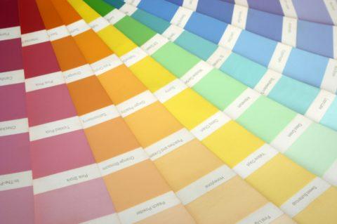 Выбранный вами оттенок краске придадут прямо в магазине с помощью специального оборудования