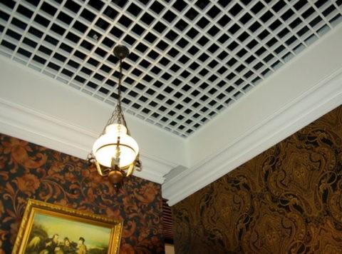 Ячеистые потолки в домашнем интерьере