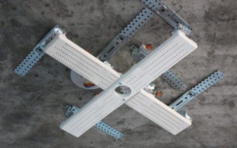 Закладная для люстры под натяжной потолок