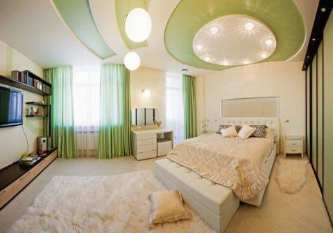 Зеленые потолки из гипсокартона в спальню успокаивают