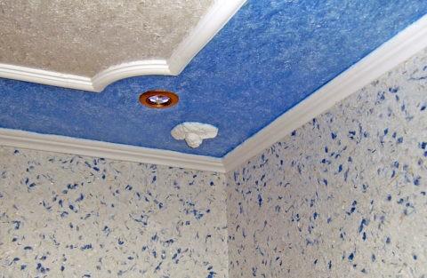 Жидкие обои на потолке и стенах